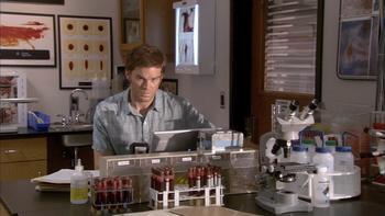 Episodio 2 (TTemporada 2) de Dexter
